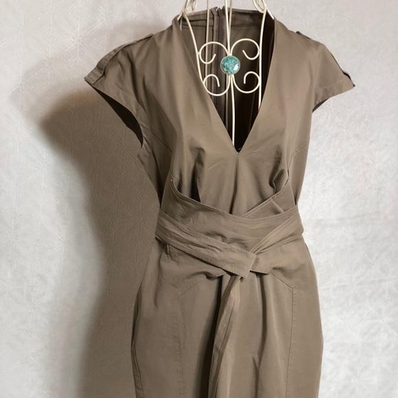 eb4566f978e Gucci Dresses   Skirts - Gucci Dress Sz M color Tan